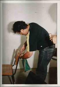 Eleições 2000 Comissão Eleitoral – Ben-Hur(func. Do Sindicato), instalando a urna – Ago/2000(Ivaldo Bezerra/Lumen)